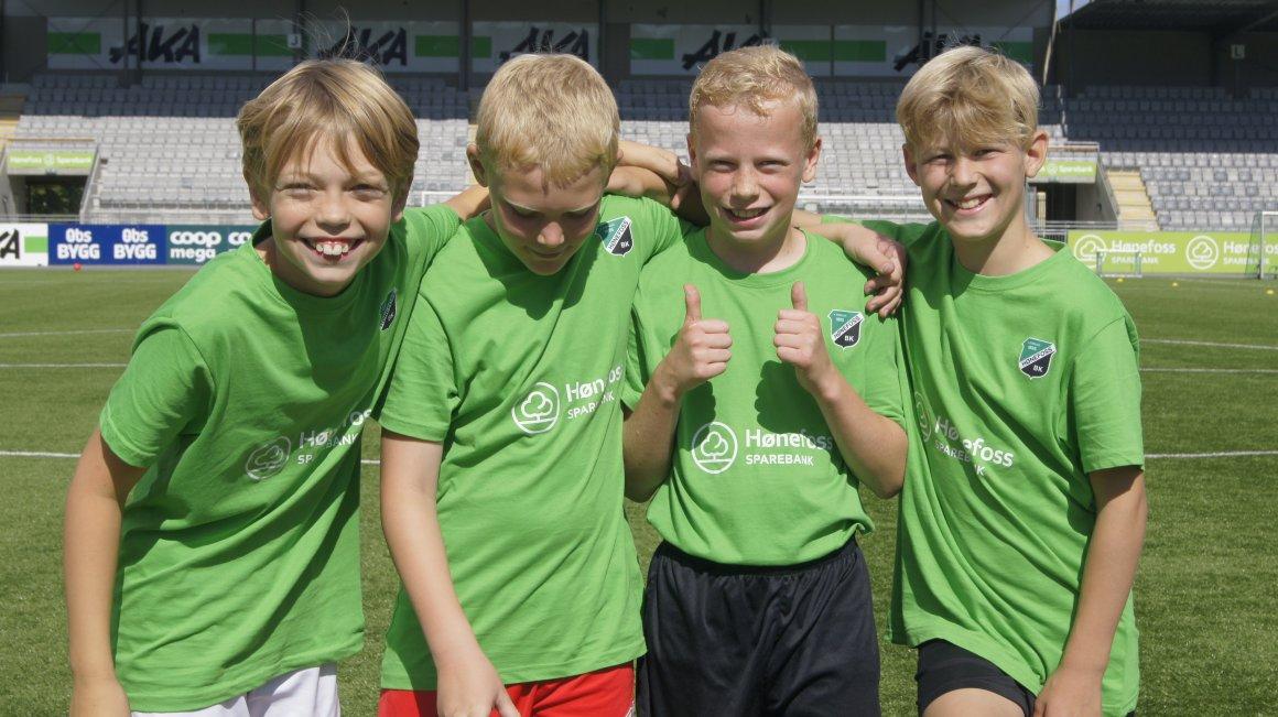 Hønefoss Sparebank Fotballskole i perioden 14-17 august.