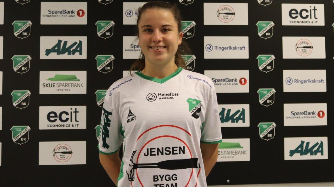 Emilia Ruud (21) klar for Hønefoss BK